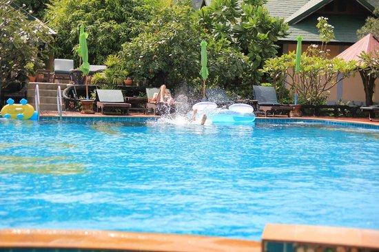 Koh Phangan Dreamland Resort: Swimming pool