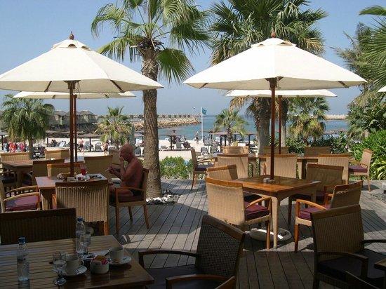Radisson Blu Resort Sharjah: Strandrestaurant