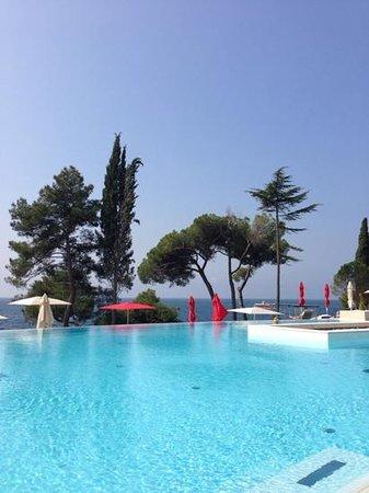 Hotel Laguna Parentium: Бассейн с морской водой