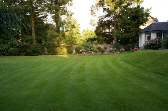 Lubnaig House : The garden. Great place to relax when it does not rain