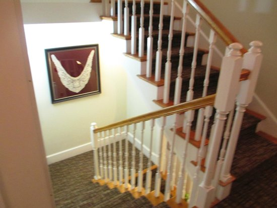 Maple Leaf Inn : Stairs