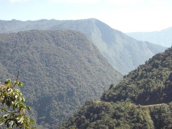 Gravity Bolivia : death road view