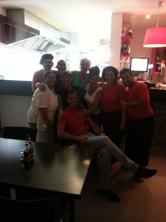 Friends Lounge Bar & Restaurant: Friends.....
