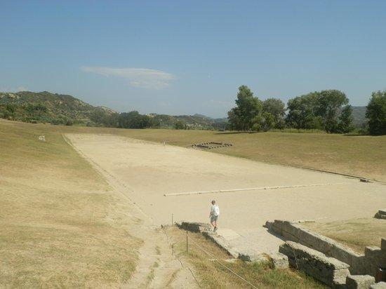 แองเชี่ยน โอลิมเปีย (อาร์ไชย่า โอลิมเปีย): Stadio Olimpico
