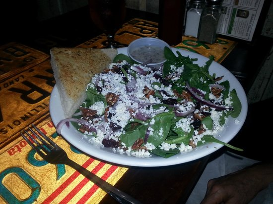 Mission Springs Brewpub & Restaurant: Tastiest Salad Ever!