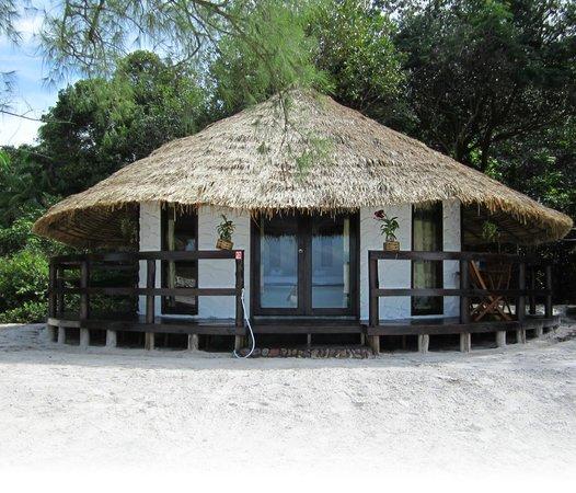 The Beach Island Resort & Beach Club: VIP Bungalow