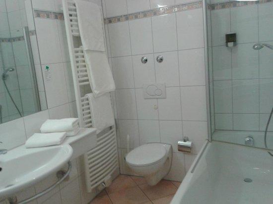 Bierhaeusle Hotel-Restaurant: Baño