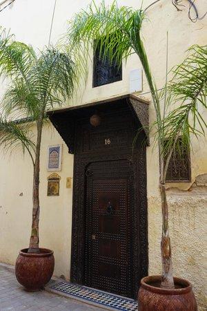 Riad Fes Baraka : Porte du riad
