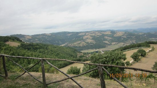 panorama da agriturismo la terrazza valfabbrica - Picture of ...
