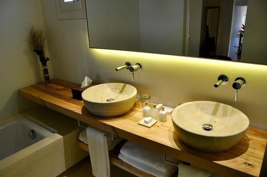 Hotel Torralbenc: Bathroom