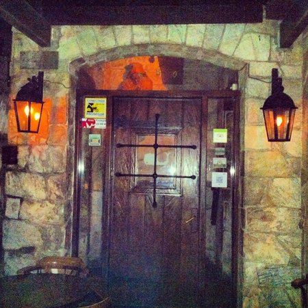 Moby Dick Pub: Entrada do pub