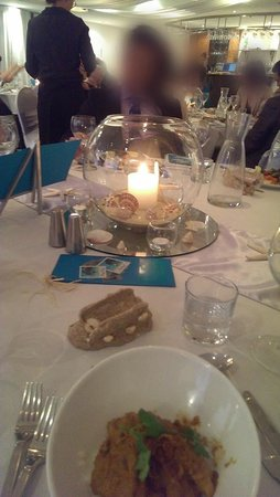 ULTIQA Shearwater Resort: Wedding Reception - Beautiful Centerpieces (tea lights not lit)