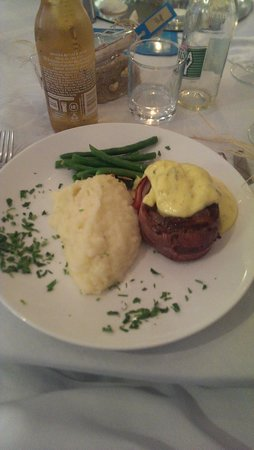 ULTIQA Shearwater Resort: Wedding Reception - wedding menu - Raw/bland beef fillet mignon