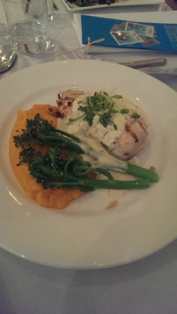 ULTIQA Shearwater Resort: Wedding Reception - wedding menu - dry/bland chicken terragon