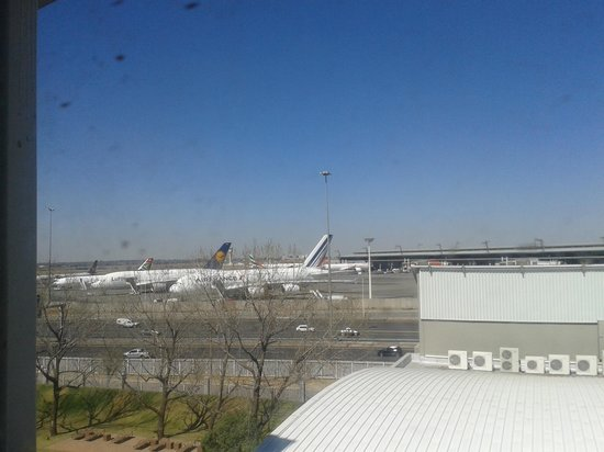 Protea Hotel by Marriott O.R. Tambo Airport: Room with a view?