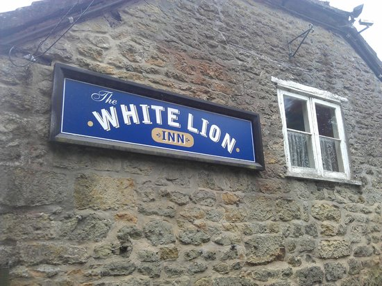 The White Lion: Outside Sign