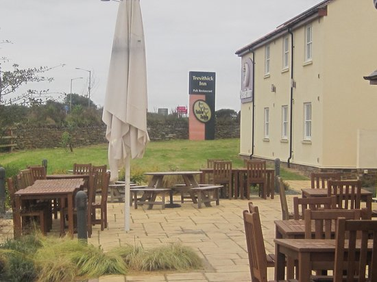 Premier Inn Camborne Hotel: Terrace and hotel rooms