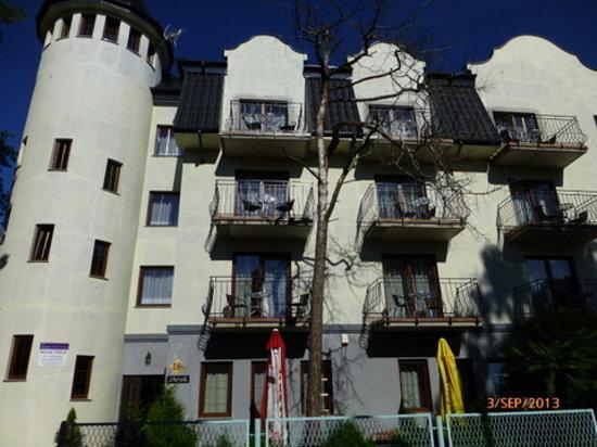 Miedzywodzie, Polonia: Pension Lazur von Vorne