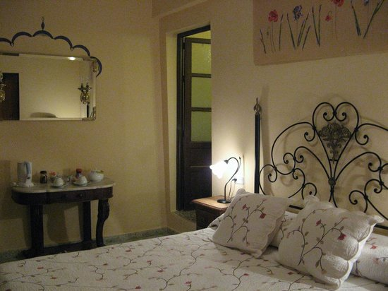 Baraka Bed and Breakfast: Cosy Bedroom