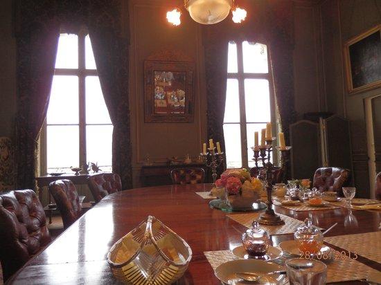Chateau de la Jumelliere : Dining room