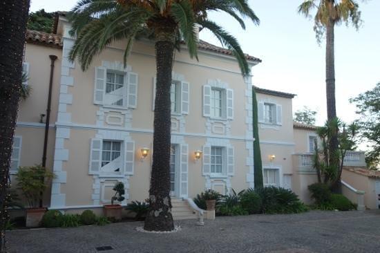 Hotel La Residence de la Pinede: front of hotel