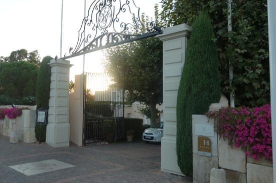 Hotel La Residence de la Pinede: entrance