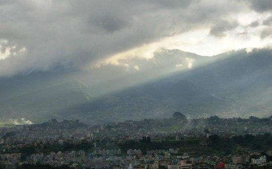 วัดสวะยัมภูนาถ: View of Kathmandu from the top