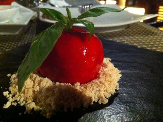 barLO Resto Lounge: bell pepper cheesecake. This was superb!