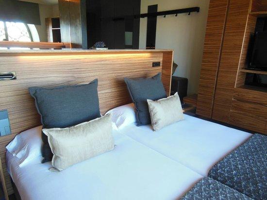 Cava & Hotel Mastinell : room