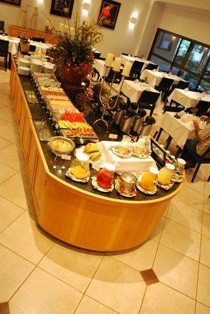 Hotel OT: Café da manhã com muitas variedades