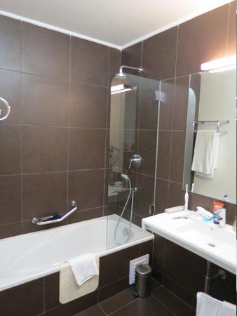 Alvor Baia Resort Hotel: bathroom