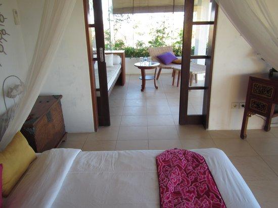 Villa Bidadari Nusa Dua: Out door area from bedroom