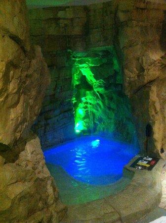 Casei Gerola, Italie : grotta verde