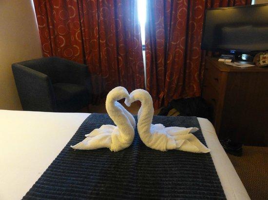 Airport Inn Gatwick: small bedroom