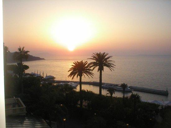 Grand Hotel Royal: Un tramonto su Capri