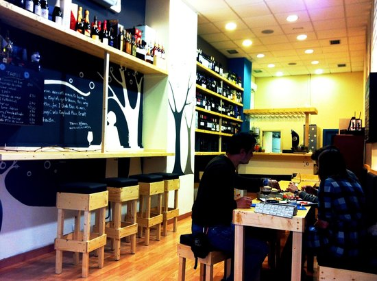 Interior Wine Bar Contiempo