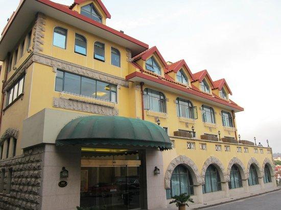 The Castle Hotel: Green Castle