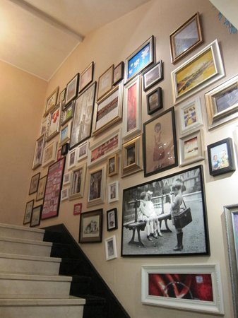 The Castle Hotel: Staircase to the Chinese Restaurant