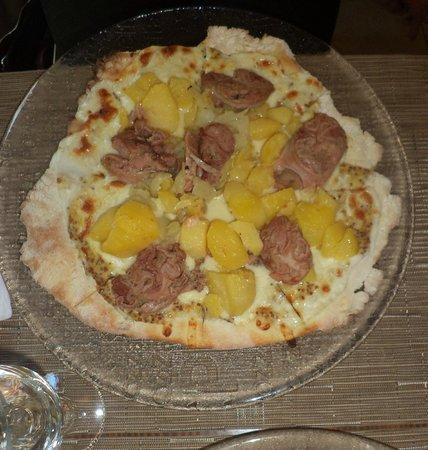 pizza andouillette photo de pizzeria sacha saumur. Black Bedroom Furniture Sets. Home Design Ideas
