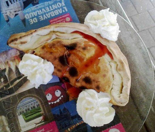 Pizzeria Sacha : Calzone de frutos vermelhos