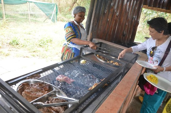 Gooderson DumaZulu Lodge and Traditional Zulu Village: traditional lunch