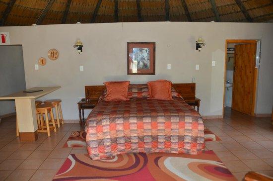 Gooderson DumaZulu Lodge and Traditional Zulu Village: rooms