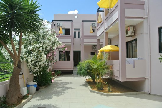 Ilias Apartments: ΕΞΩΤΕΡΙΚΟΙ ΧΩΡΟΙ
