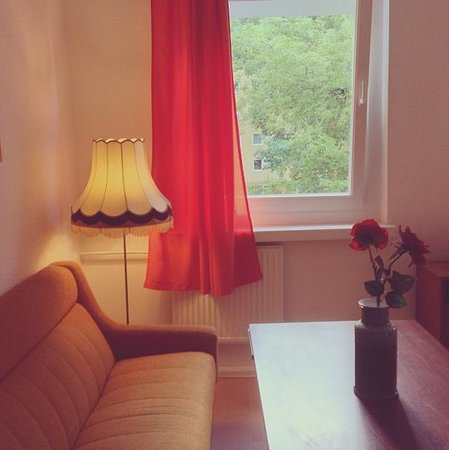 Ostel - GDR The Hostel: Sofa and Lamp