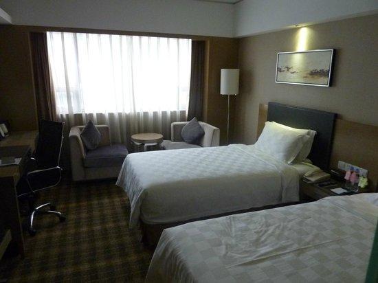 Grand Skylight Hotel Shenzhen : バスタブはないけど、そこそこ広くて清潔