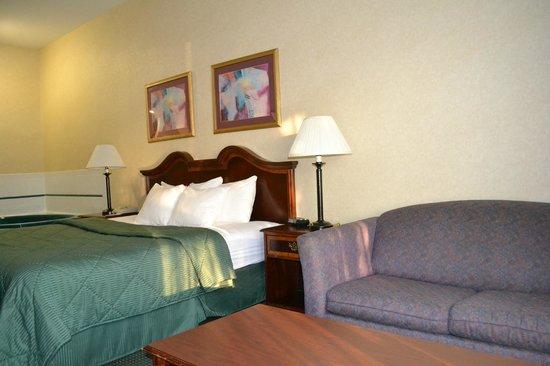 Comfort Inn & Suites Peachtree Corners: Non- Smoking  Suite Jakuzi room