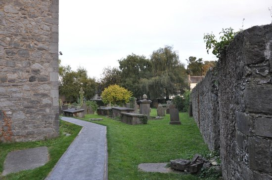 St Marys Cathedral : Inside the wall