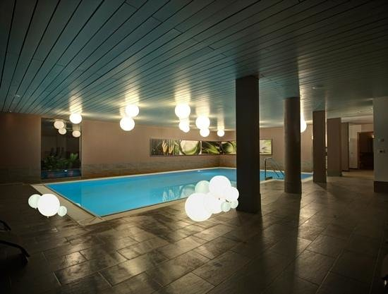 Alpine City Wellness Hotel Dominik: nuova piscina in ambiente elegant