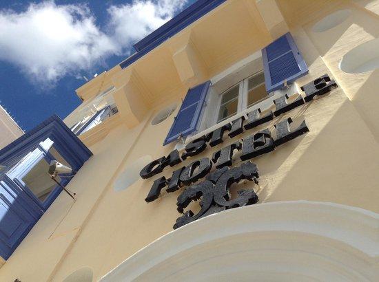 Castille Hotel: Upgraded facade