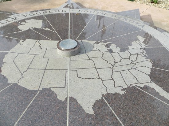 Center of the Nation Monument: Marker